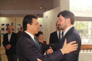 Miguel Truzman, vicepresidente de la CAIV, y Artem Isakov, jefe de prensa de la embajada de Rusia